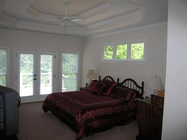 Master Bedroom Photo, 053H-0045