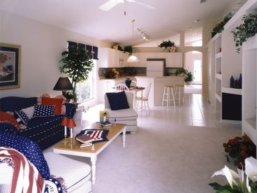 Family Room Photo, 043H-0068