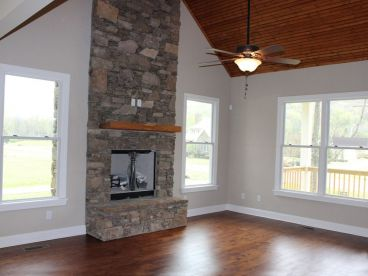 Family Room Photo, 062H-0029