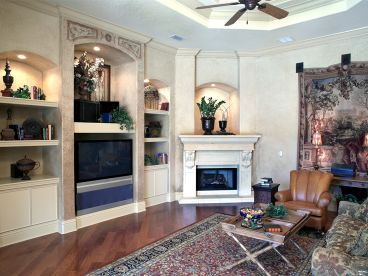 Family Room Fireplace, 040H-0016