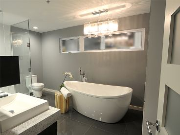 Bathroom, 027H-0280