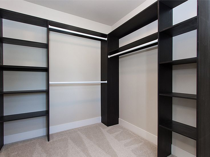 Walk-In-Closet Photo, 035H-0120