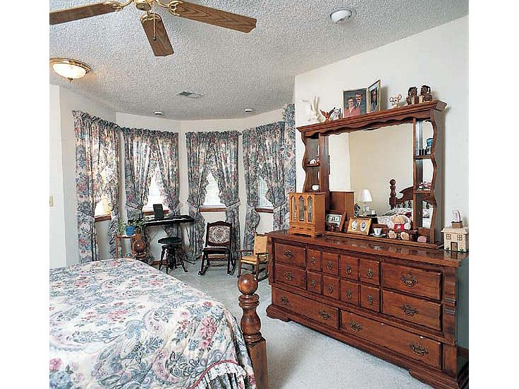 Master Bedroom Photo, 047H-0006