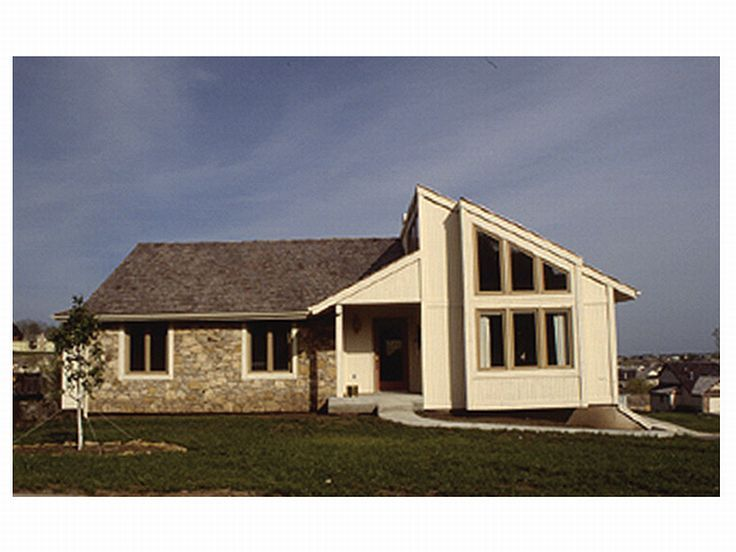 Contemporary Home Plan, 022H-0018
