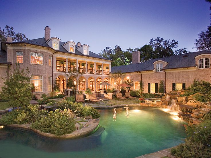 Southern house plans southern home with colonial flair for Southern dream homes