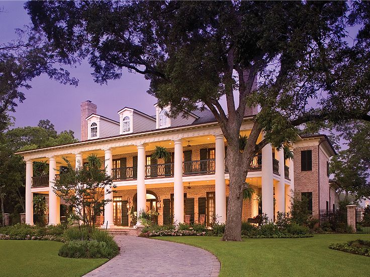 Southern house plans southern home with colonial flair for Plantation home designs