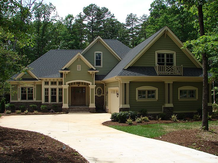 Craftsman home plans one story craftsman house plan for Large one story homes
