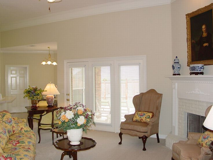 Living Room Photo 2, 021H-0090