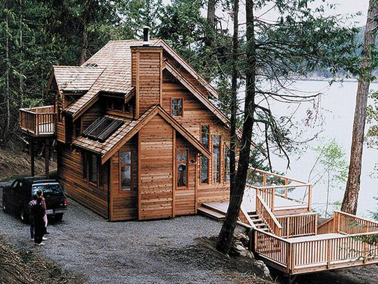 Waterfront house plans waterfront home plan makes nice for Small vacation home floor plans